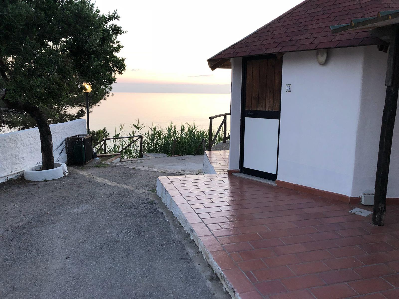 Tukul - Casa a strapiombo sul mare - Punta Cilento Residence Palinuro Salerno
